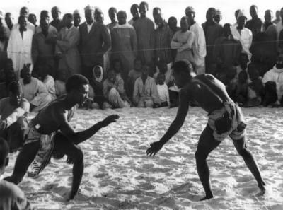 La culture s n galaise for Interieur sport lutte senegalaise
